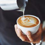 Możesz zrobić kawę jak bariści. Oto ich sekrety