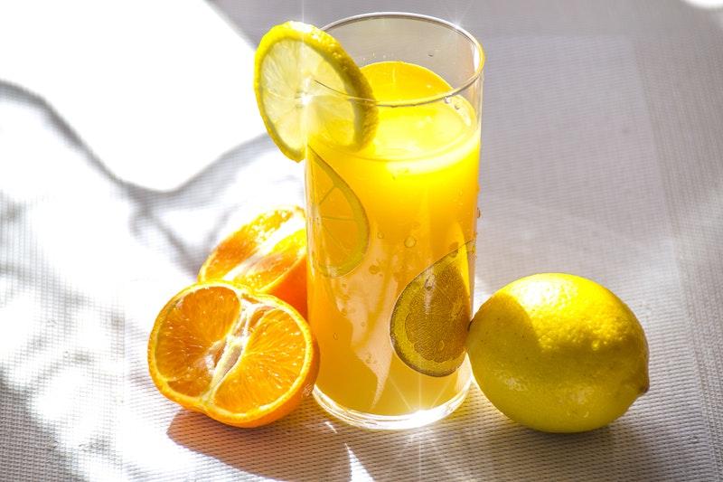 sok cytrynowy - witamina C